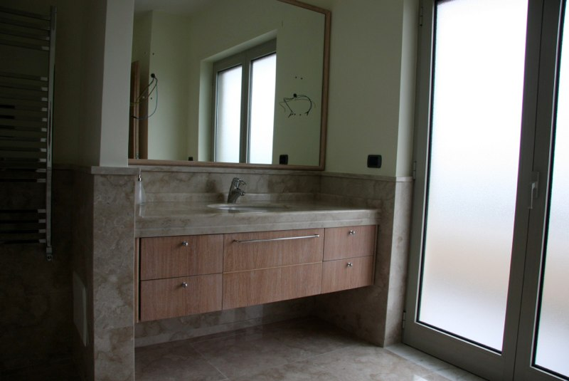23-guest-bath