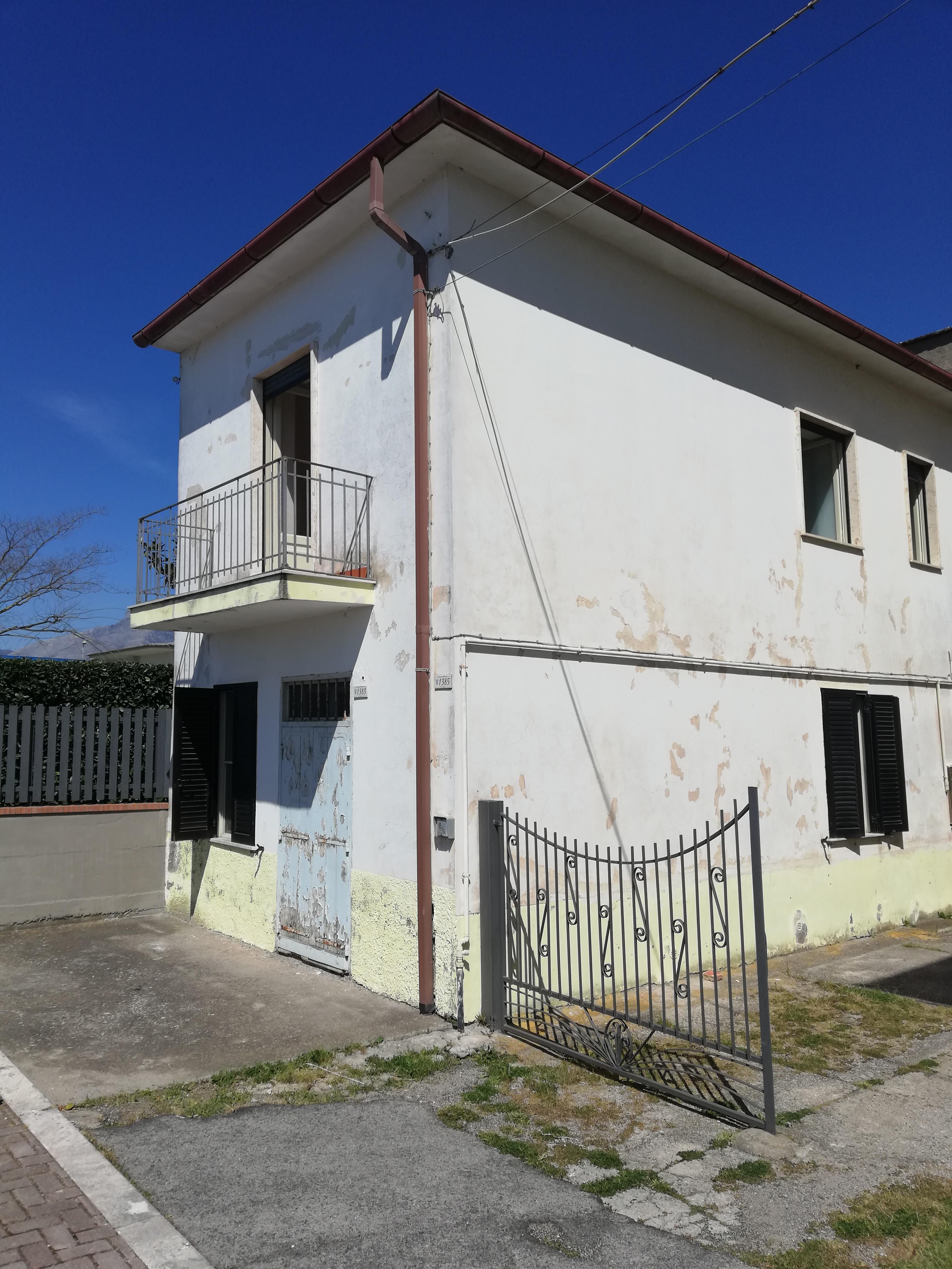 Palazzina di 2 unità immobiliari M. Minturno